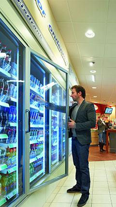 Better product appearance in the shop with Philips coolers lighting
