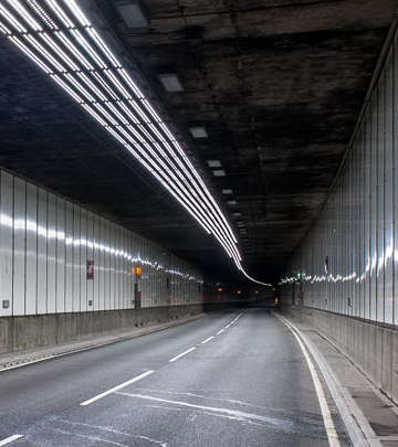 Philips LED luminaires effectively illuminate the Meir tunnel