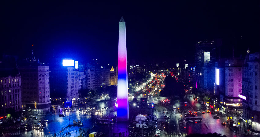 Historic obelisk in Buenos Aires is improved with LED