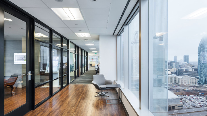 Philips Lighting's Connected Lighting (InterAct Office) can help you create a smart office