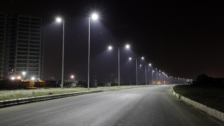 Uniform lighting across the road with Philips LED streetlights