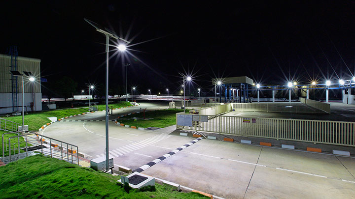 See how Philips lighting helped Unilever India in reducing energy consumption significantly by installing Solar LED streetlights at their Khamgaon plant
