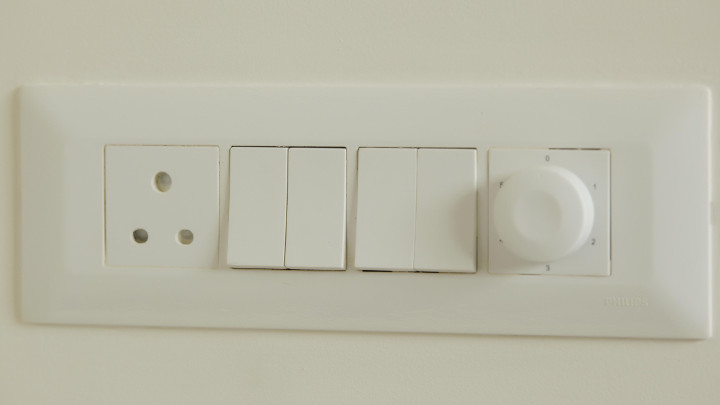 Robust construction and sleek design of modular switches